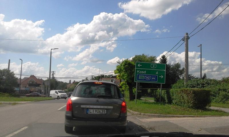 Egyelőre nem halad a Kosdi úti körforgalom megvalósítása, és sajnos a mélygarázsé sem