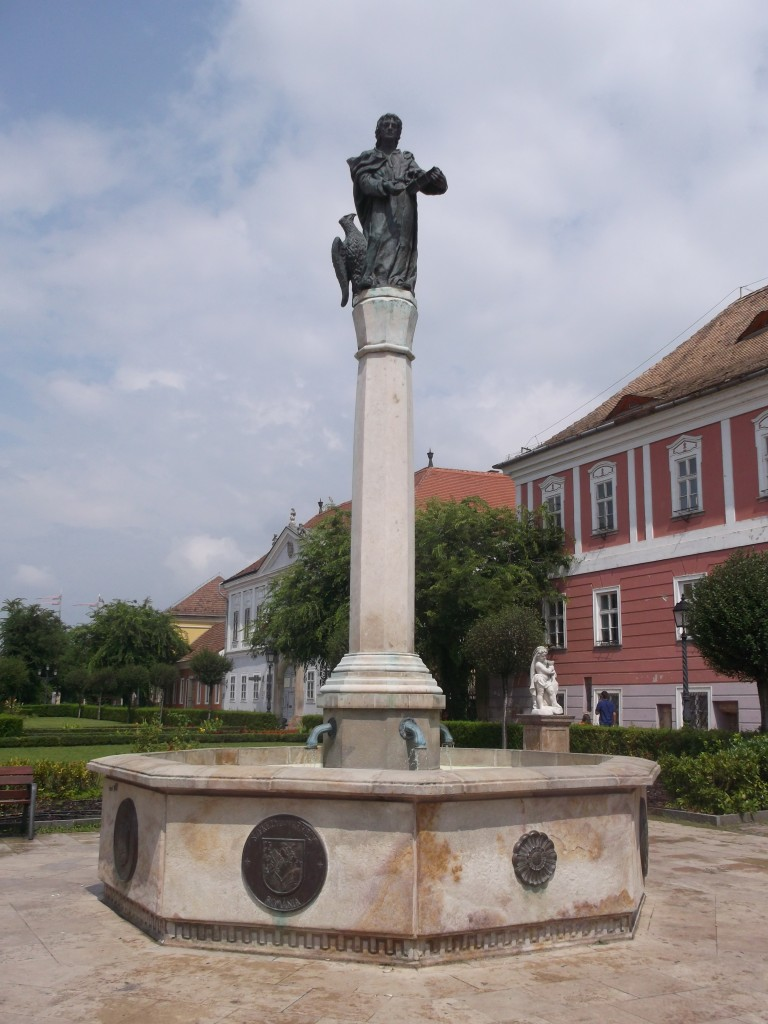 Névtelen szobor a Főtéren