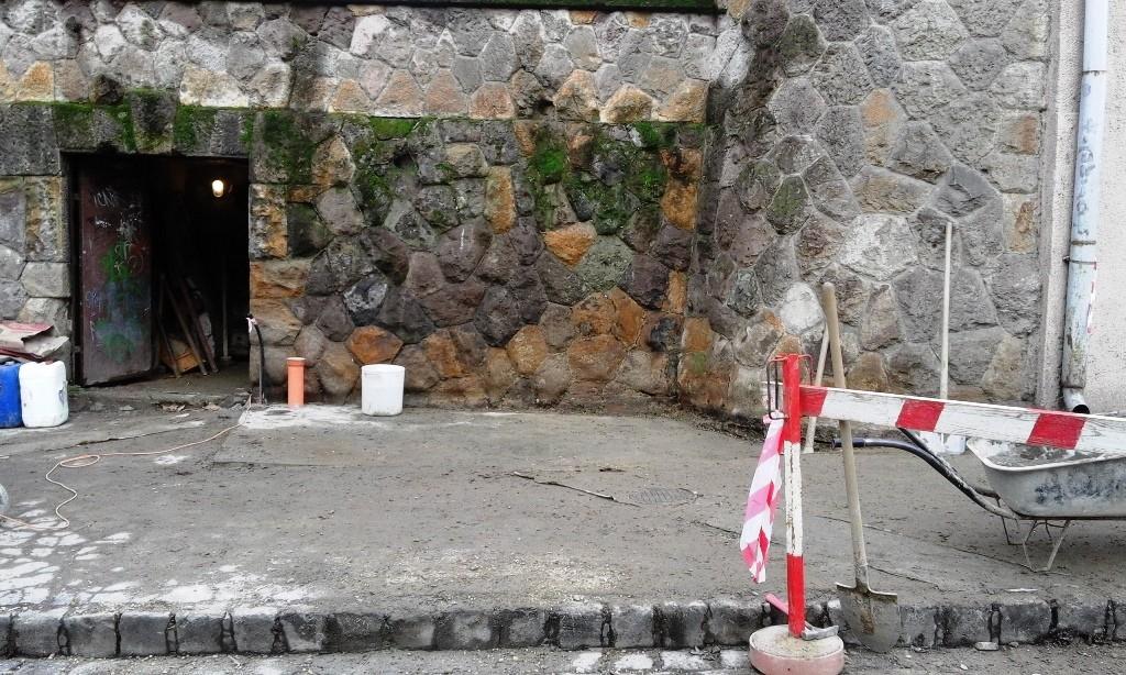 Lakossági bejelentés miatt leállt a nyilvános WC építése