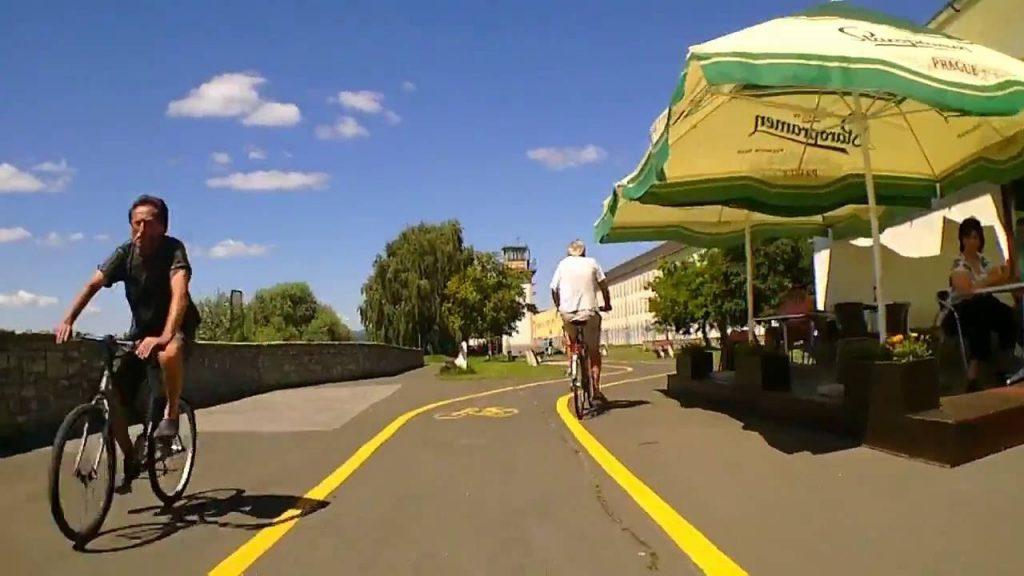 Kerékpárosokat eligazító táblákat kértem- A Házból jelentem