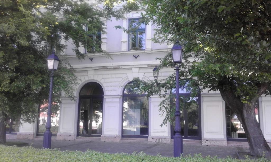 Júniusban testület elé kerül a régi gyógyszertár épületének rendezése